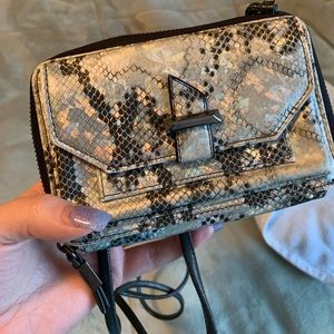 Never used Vera Wang wallet gorgeous patten